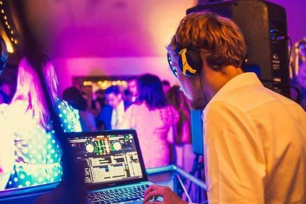 Sax & DJ Durham